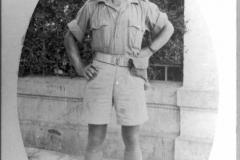 1_17-Yisrael-Levit-iš-Dusetų-su-britų-kariuomenės-uniforma-1942-m.-Yisrael-Levit-from-Dusetos-wearing-Britain-army-unform