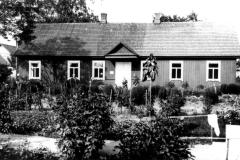 1_55-Žydų-mokykla-Dusetos-A-Jewish-school-Dusetos